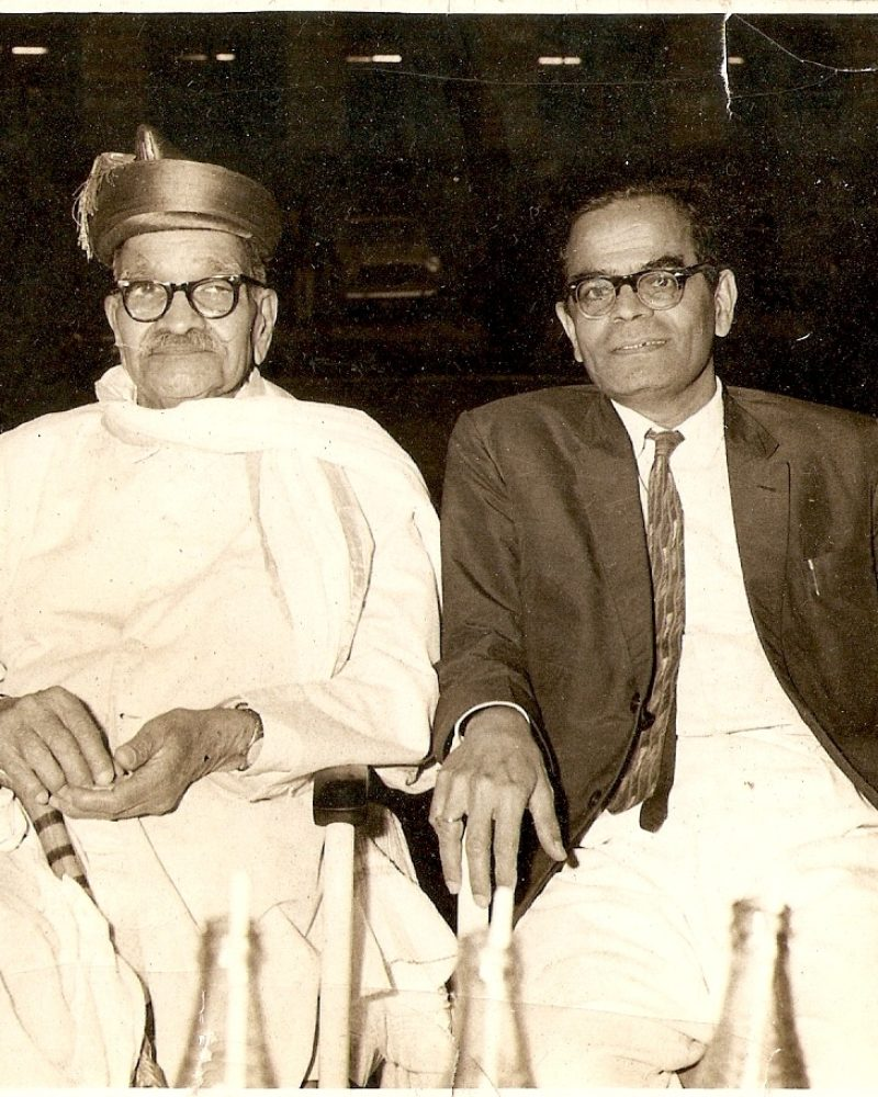 Photo of Ramdas Paranjpe and Wrangler Paranjpe, at an event of felicitation at Pune Municipal Corporation, 1963